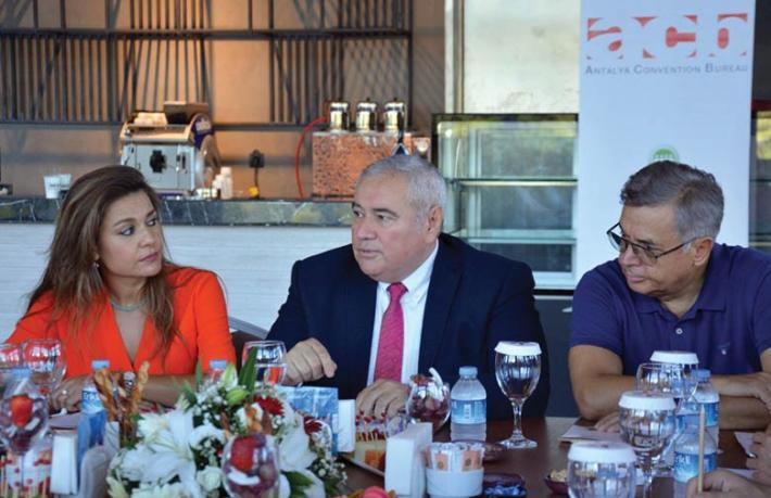 Antalya kongre turizminde 'Ben de varım' dedi