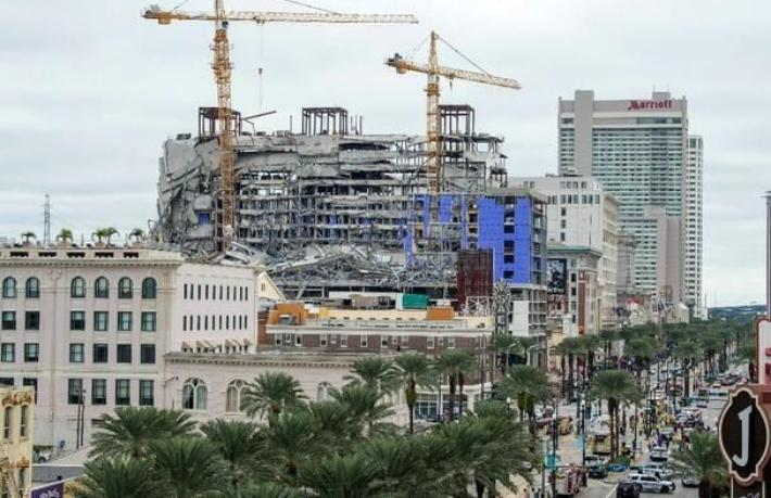 ABD'de otel inşaatı çöktü: 2 ölü, 20 yaralı