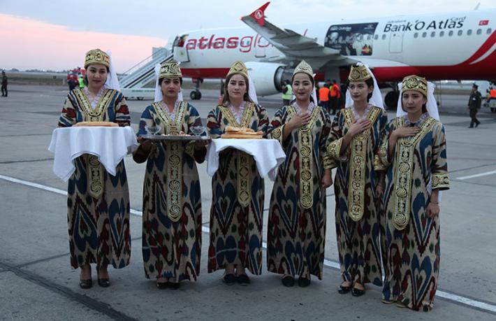 Atlasglobal Buhara'ya ilk turistik charter uçuşunu gerçekleştirdi