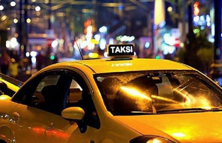 Taksiciler bir gündene kadar turist taşıyor?