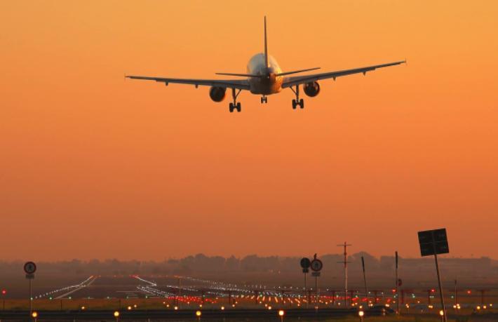 Avrupa'ya uçması yasak olan havayolları açıklandı