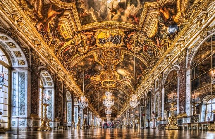 Fransa'nın yüzlerce yıl yönetildiği saray otel oluyor