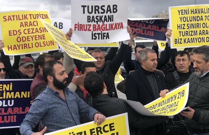 Turizm şirketlerinden  'Geç tebliğ' protestosu