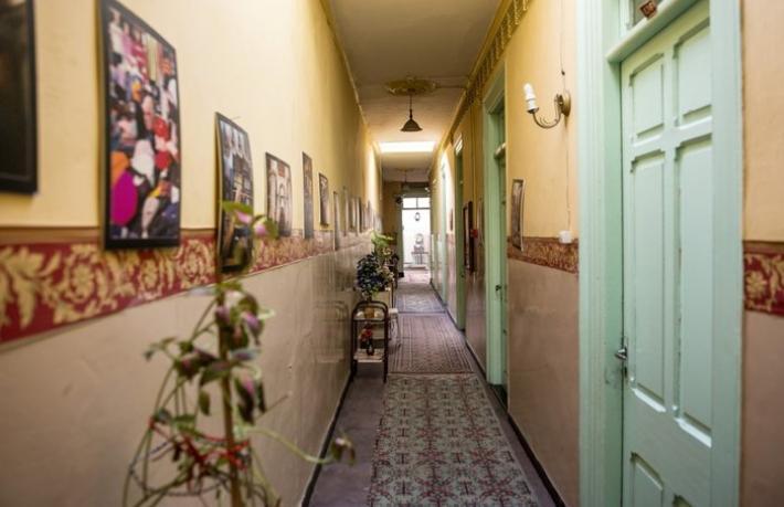 Asırlık otel evsizlerin yuvası oldu