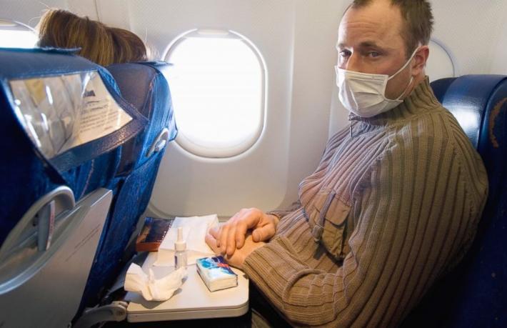 Uçakta Koronavirüs'ten korunma yolları