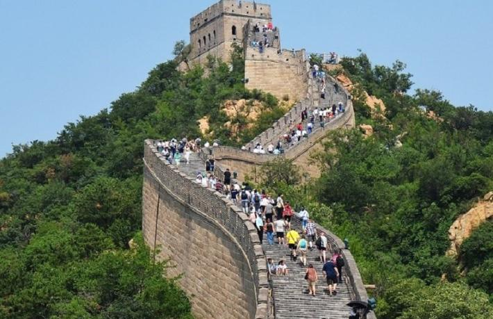 Rus tur şirketleri Çin'e bilet satışını durdurdu