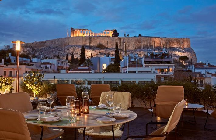 Yunanistan'da tüm oteller kapandı