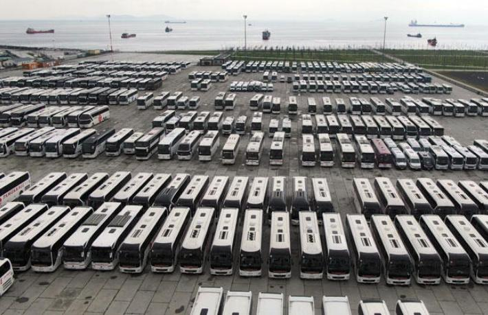 Yüzlerce otobüs Yenikapı miting alanında