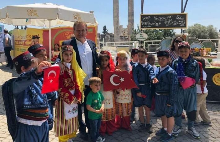 Her şey geçici, baki olan tek şey Türkiye'nin geleceği