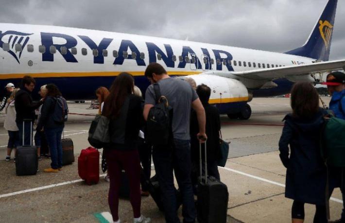 Ryanair uçuşlara yüzde 50 indirime gitti