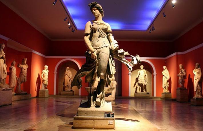 Müze ve ören yerleri yeniden ziyarete açıldı