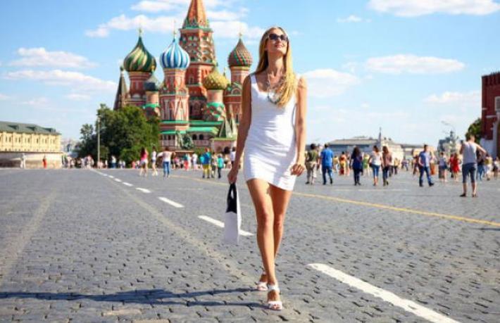Rusya turist kabul etmeye başlıyor