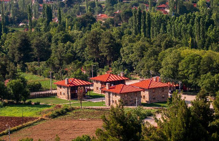 Beyağaç Hanay Evleri yayla turizminin gözdesi oldu