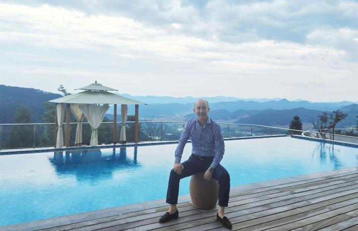 Çin'in en lüks otelini Türk turizmci hizmete açıyor