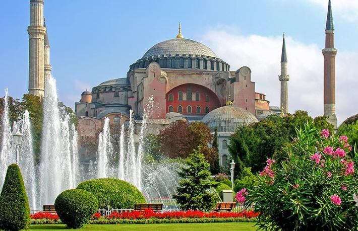 Sabah yazarı: Danıştay Ayasofya'nın cami statüsünü korudu