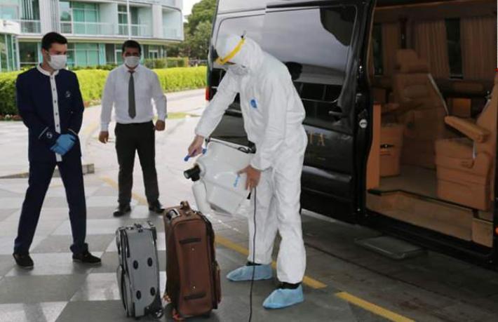 Sanki virüsün kaynağı oteller… Her önüne gelen bizi denetliyor