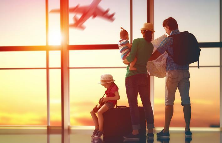 Antalya'ya 3 ülkeden charter uçuşlar başladı
