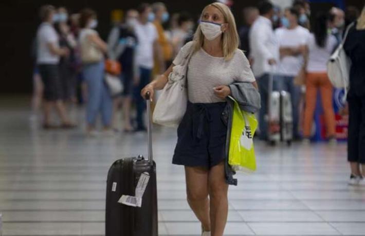Antalya'ya ilk Rus turist kafilesi geldi... Bugün Rusya'dan 70 uçakinecek