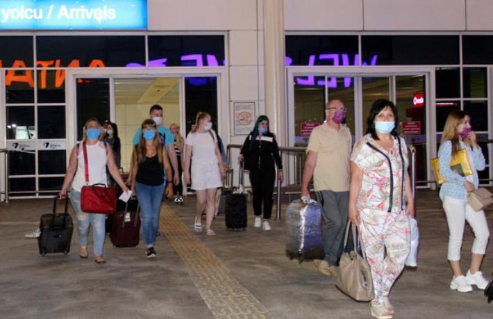 Turistlerin Türkiye'deki korona testleri ücretsiz yapılacak