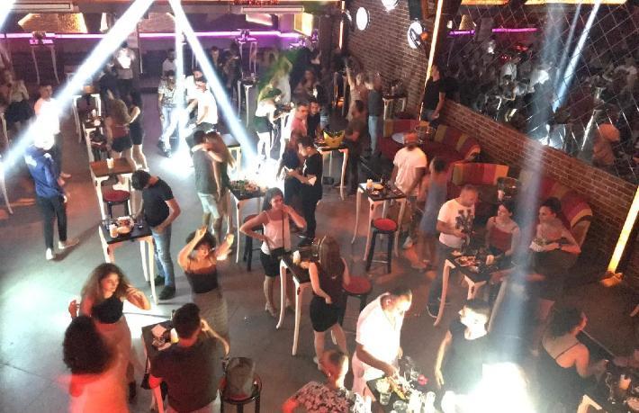 İşte, kafe görünümlü gece kulüpleri…