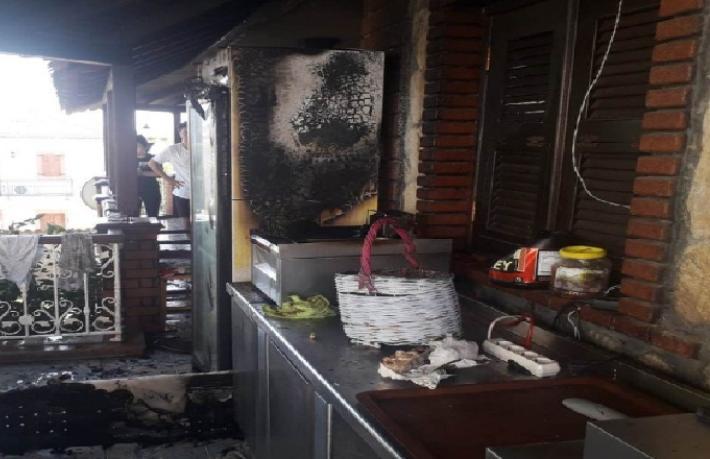 Fritözdeki kaçak oteli yaktı