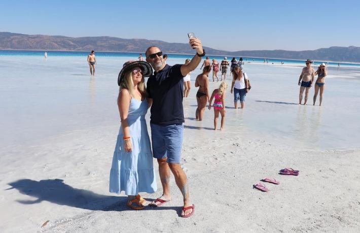 Salda Gölü'ne ziyaretçi yasağı başladı
