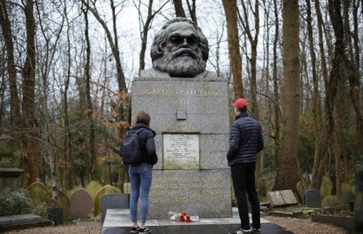 Karl Marx'ın mezarı turizme açılıyor
