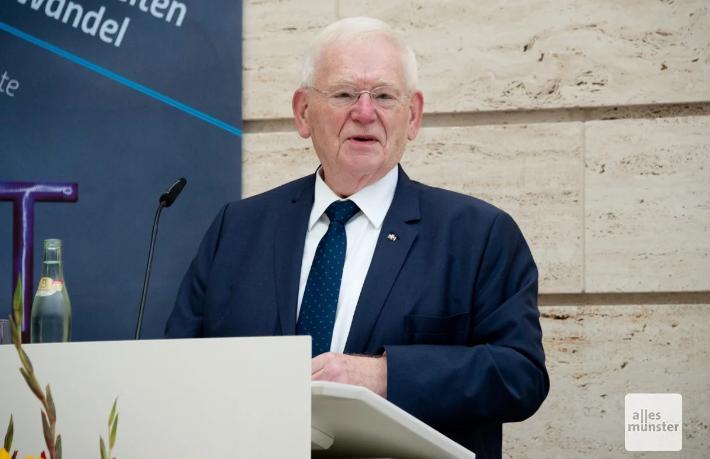 Alman siyasetçiden Bakan Ersoy'a övgü:  Pandemi sürecinde olağanüstü bir iş çıkardı