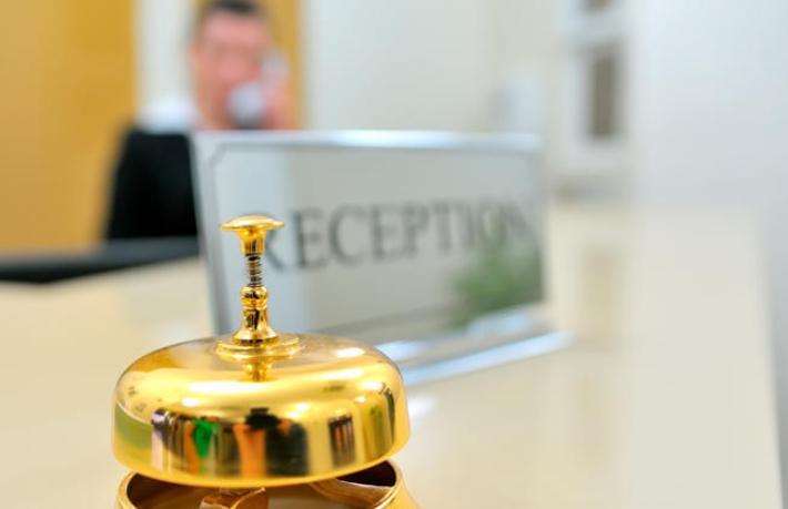 İngiltere'de oteller hastaneye dönüştürülüyor