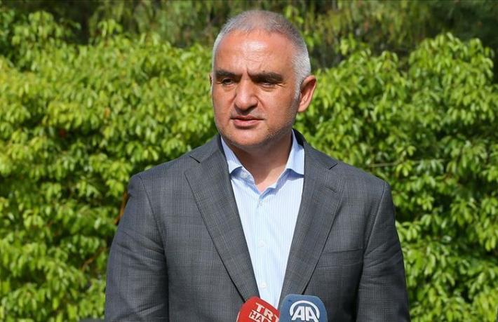 Bakan Ersoy: Oteller piyasayı öğrenmek için satış ilanı veriyor