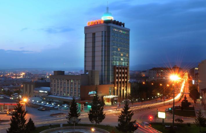 Kentin tek 5 yıldızlı oteli satılıyor
