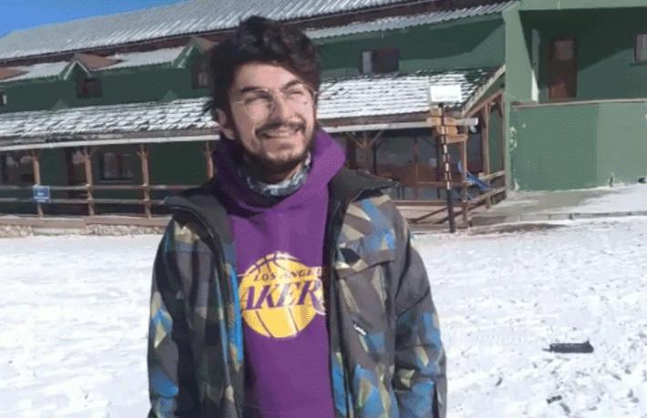 Otel müdürü ve kayak hocası sevinçten göbek attı