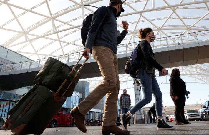 Trump'ın kaldırdığı seyahat yasağını Biden yeniden koydu