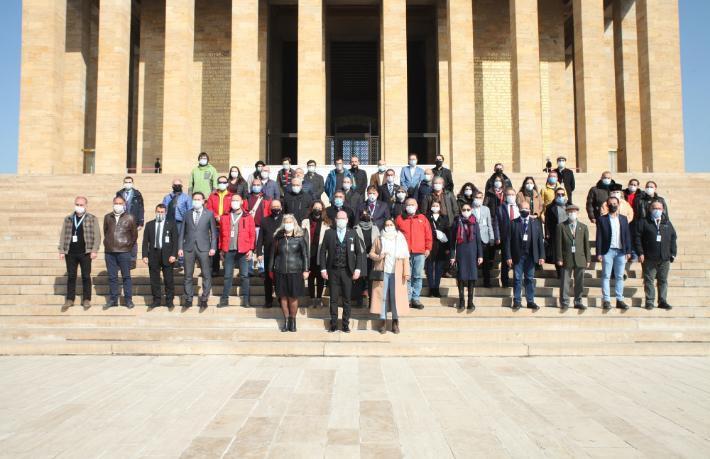 TUREB'ten Anıtkabir'e anlamlı ziyaret