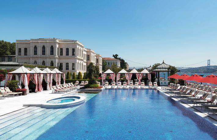 Four Seasons İstanbul Otelleri 5 yıldızla ödüllendirildi