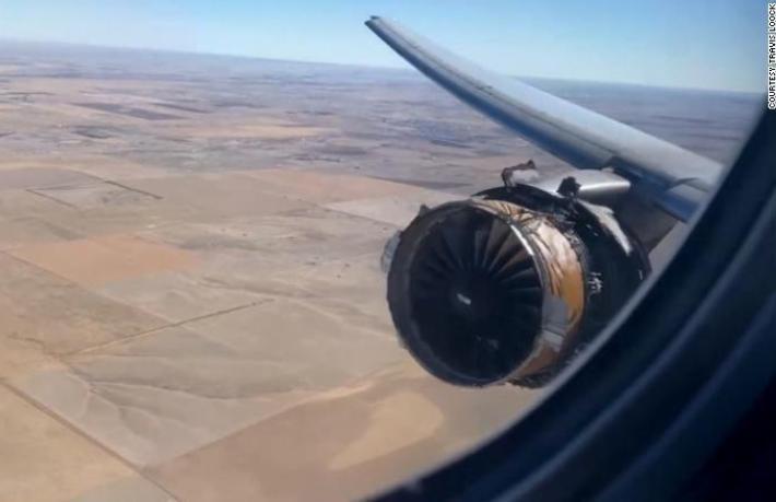 Boeing yolcu uçağının motoru yine patladı