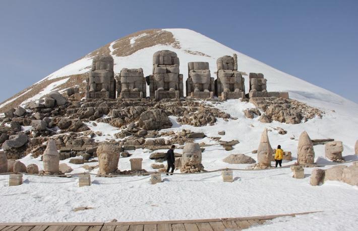 Nemrut Dağı sezonun ilk turistlerini ağırladı