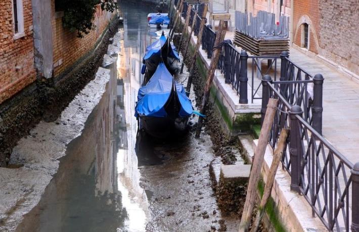 Gözde turizm merkezi Venedik artık tanınmaz halde
