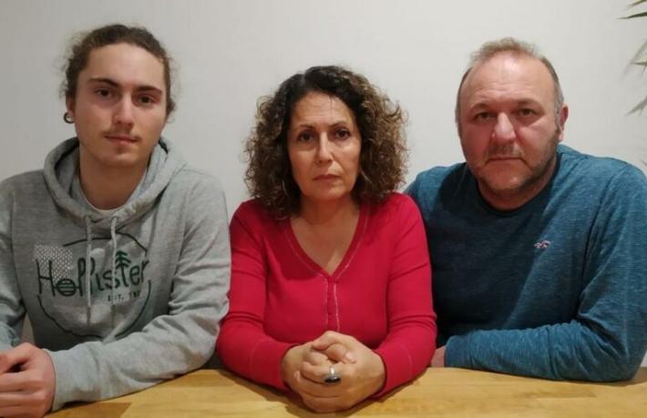İngiltere'de mahsur kalan Türkler turistler kaderlerine terk edildi