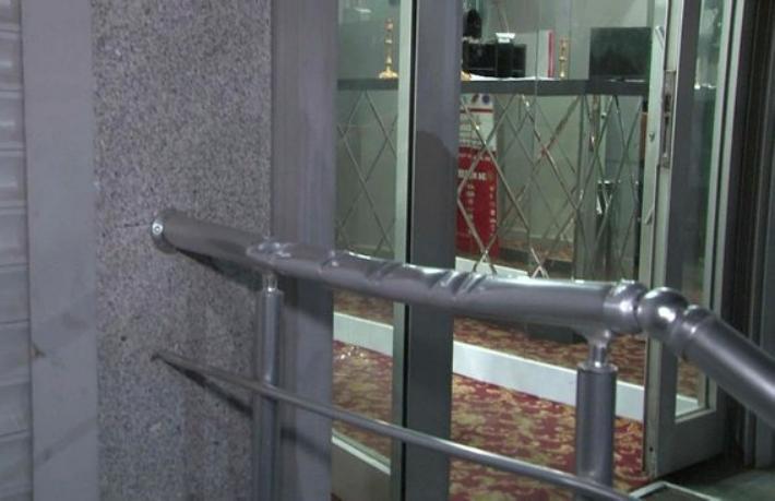 Otele satırlı saldırı... Kira anlaşmazlığı yüzünden otel bastı