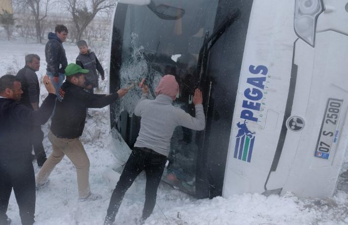 Konya'da iki tur otobüsükazası: Bir Rus turist hayatını kaybetti