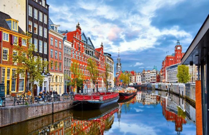 Hollanda'dan yeni kısıtlama kararı