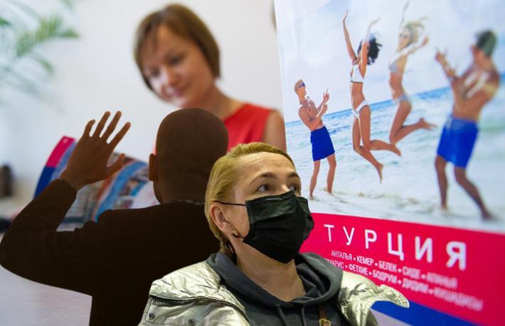 Rus turistler Türkiye tatillerini ileri tarihlere erteliyor