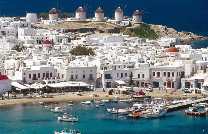 Ada sakinlerine aşı yapıp turizmi açıyorlar... İlk turist kafilesi adaya ulaştı
