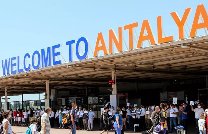 Türkiye ilk adımı attı... Rusya'ya,  Antalya'da turizm güvenliğini görüşme önerisi