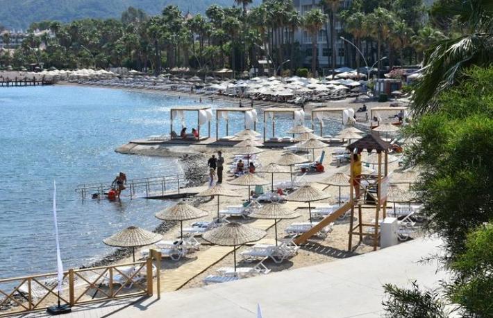 Marmaris'te çevrecilerin tepkisini çeken plaj açıldı