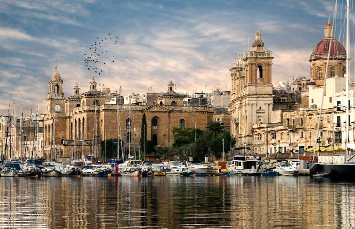 Malta aşısız turistleri de kabul edecek