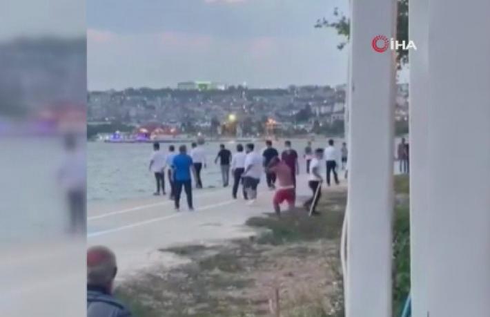 Restoran çalışanları denize giren vatandaşlara saldırdı