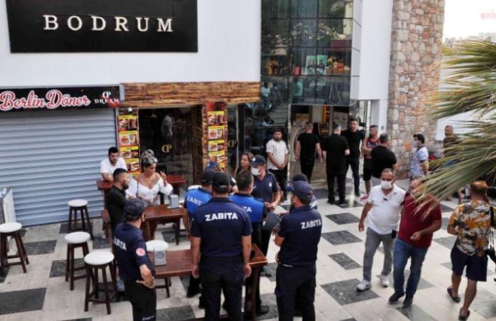 İçinde 450 turistin bulunduğu otel mühürlendi