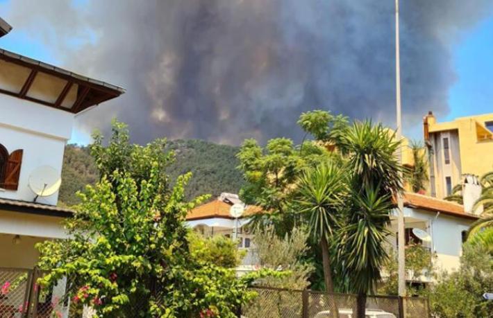 Şimdi de Marmaris yanıyor… Oteller tehdit altında